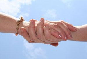 helping_women_hands